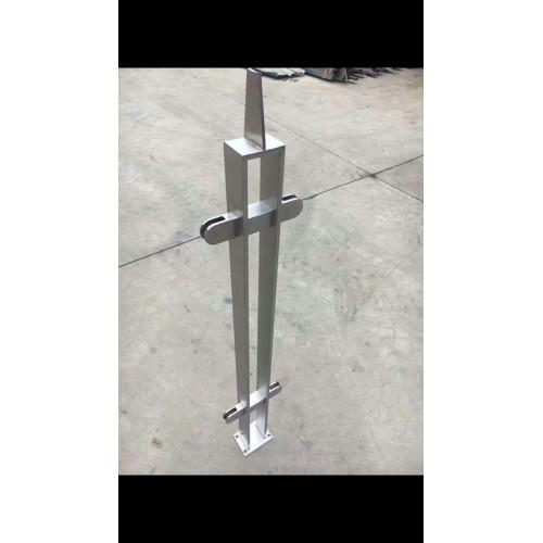 现货销售不锈钢栏杆支撑立柱 防撞护栏 高护栏立柱按图纸加工