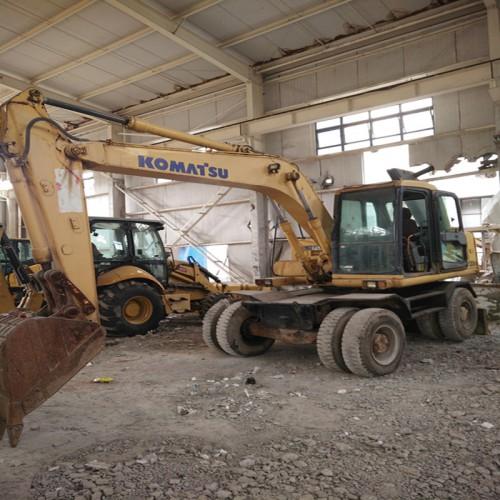 福州供应日立、小松PC70、80轮胎二手挖掘机