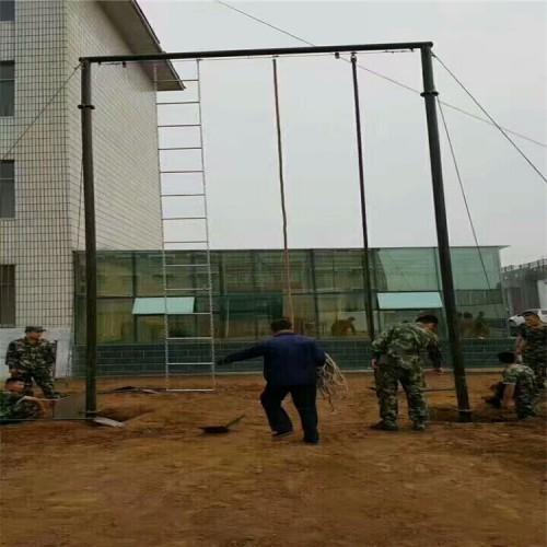 爬杆爬绳训练场器械,部队攀爬架