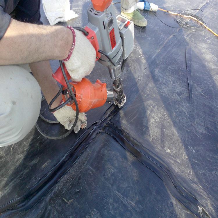 炼油厂油罐防渗用1.5mm土工膜 0.7mm土工膜经久耐用