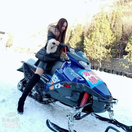雪地摩托 雪地大型摩托