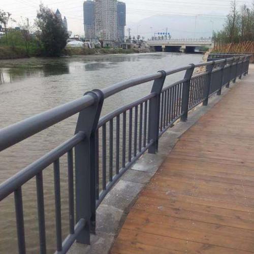 水泥河道护栏 锌钢河道护栏 环保河道护栏